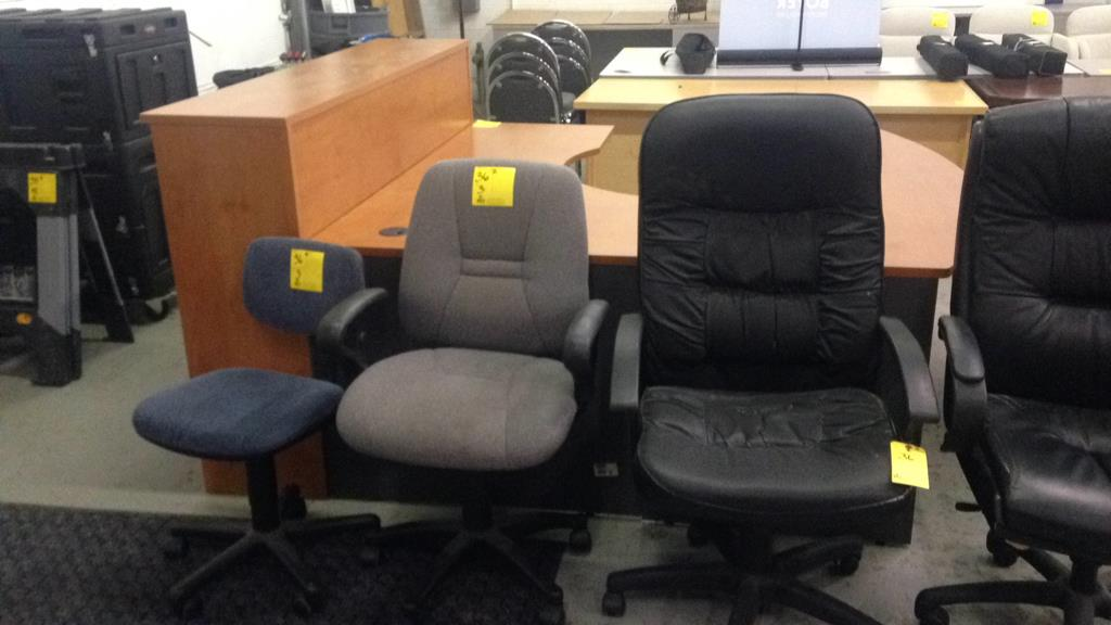 Office furniture it equipment online auction key for Furniture y equipment